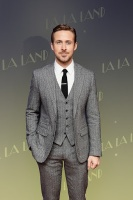 Ryan Gosling - suit