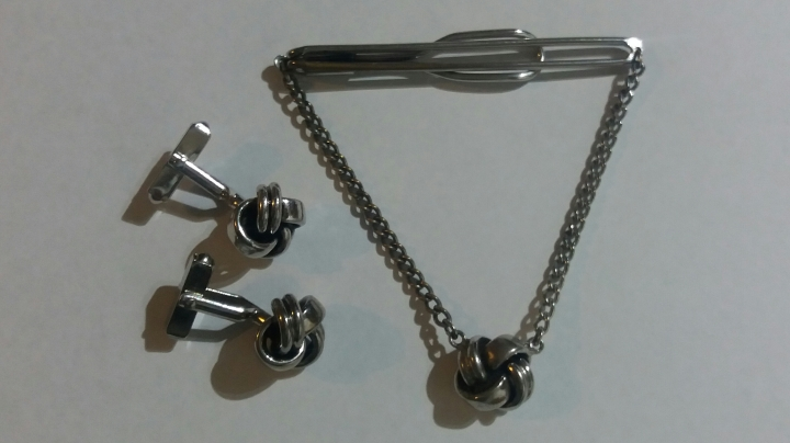 Vintage 1950s SWANK Cufflinks and Tie Clasp Set - Silvertone Celtic Knot