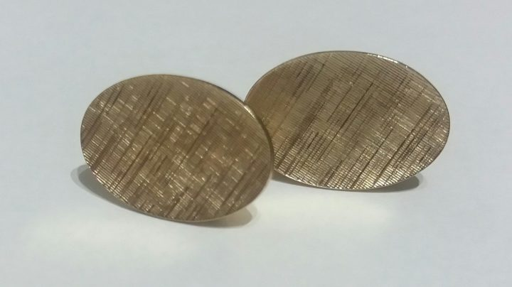 SOLD: Vintage 1980s Cufflinks – Goldtone Jewelry Shirt Accessory