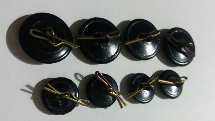 8 WW2 Royal Australian Air Force RAAF Collectable Bakelite Brass Uniform Buttons