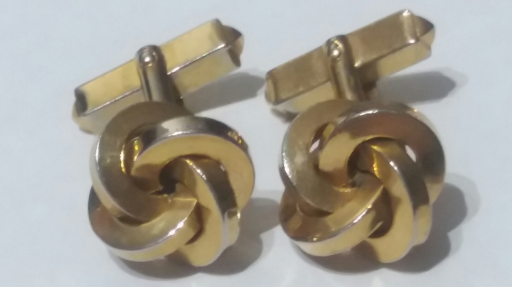 219071 Vintage Cufflinks 1940s Four Pillars Power of Four Goldtone