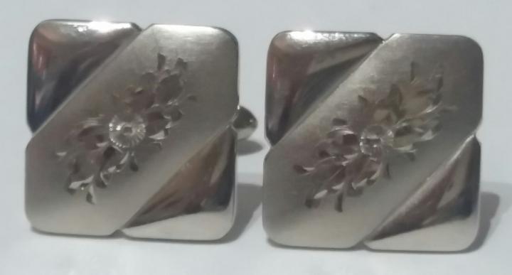 219073 Vintage Cufflinks 1950s Silvertone Engraved Pattern