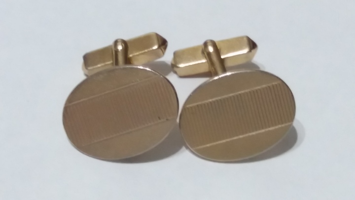 Vintage Cufflinks SWANK 1940s - Goldtone Decorative Oval