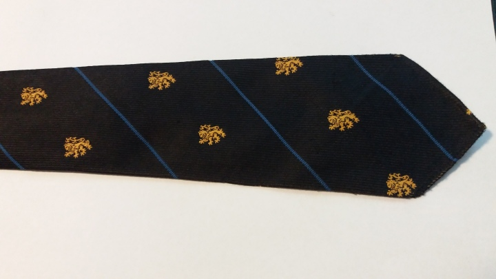 D89124 Vintage Necktie Royal Arms of England