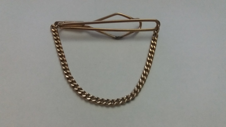 229193 Vintage Tie Clasp with Chain 1930s Handsome Goldtone Tie Clip Bar