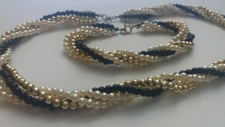 299187 Vintage Necklace Bracelet Matching Set 1970s Stunning Gold Cream Black