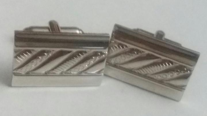 219199 Vintage Cufflinks 1970s Spectacular Silvertone Cuff Links