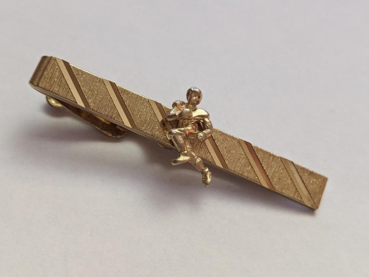 223208 Vintage Tie Clasp 1940s SWANK KaratGold Football Tie Clip Bar Chain
